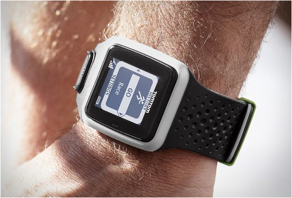 TOMTOM MULTI-SPORT GPS WATCH | Image