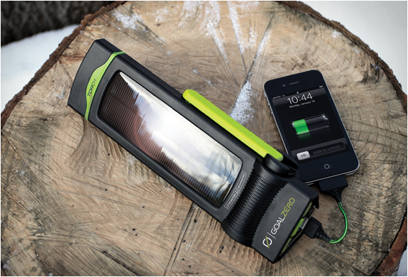Torch 250 Powerhub & Flashlight | Image