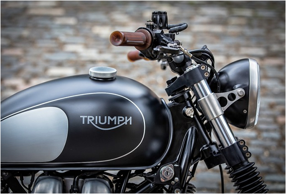 triumph-bonneville-down-out-6.jpg