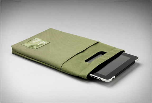 UNIT PORTABLES UNIT 04 IPAD SLEEVE | Image