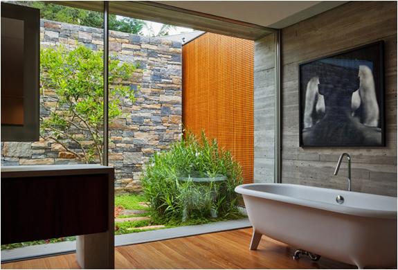 v4-house-studio-mk27-5.jpg