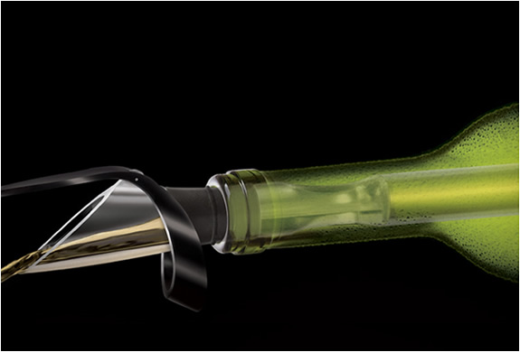 vinoice-wine-chiller-pourer-2.jpg