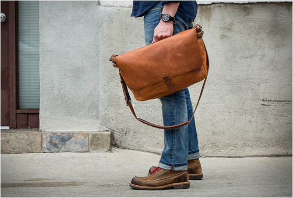 vintage-messenger-bag-whipping-post-2.jpg | Image