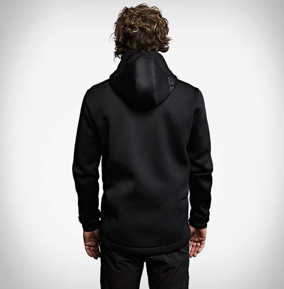 vollebak-relaxation-hoodie-7.jpg