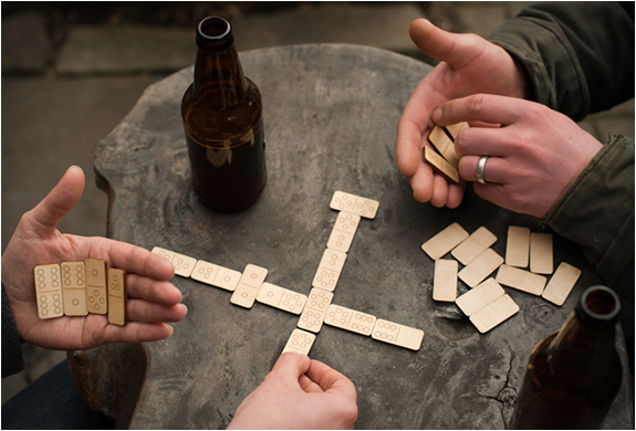 TRAVEL DOMINOES | BY WALNUT STUDIOLO | Image