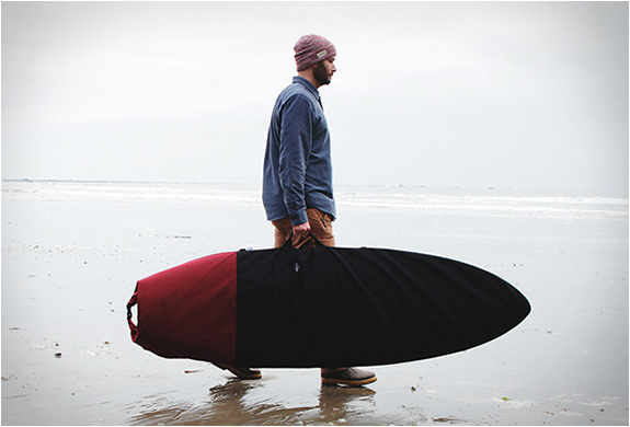 WAYWARD ROLL TOP BOARD BAG | Image