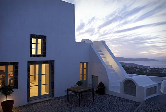 WHITE VILLA | SANTORINI GREECE | Image