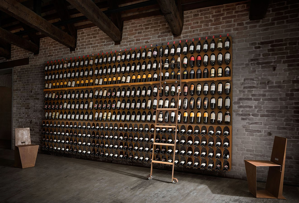 WINE LIBRARY | Image