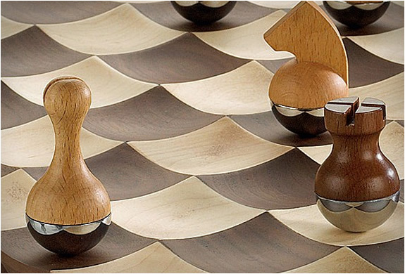 wobble-chess-set-3.jpg | Image