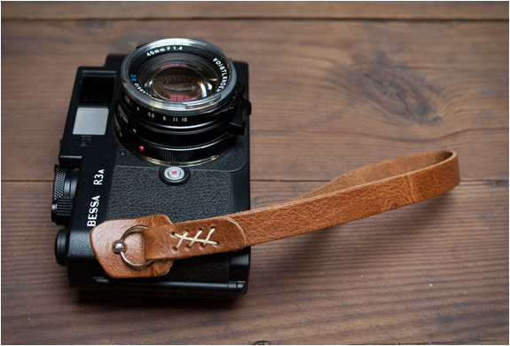 CAMERA WRISTSTRAP | BY WOOD & FAULK | Image